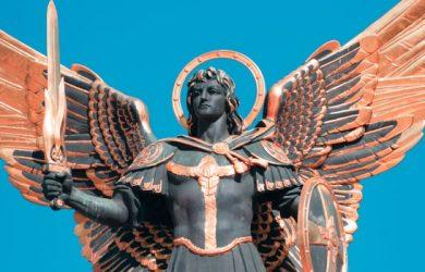 Archanioł Michał - kim jest? Modlitwy do Archanioła Michała