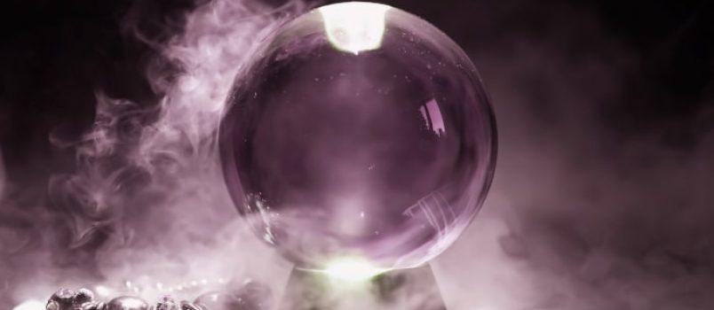 Wróżby z kuli. Jak wróżyć ze szklanych kul?